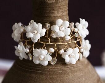 624_ Floral bracelet, White pearl bracelets, Floral jewelry, Gold jewelry, Crystal bracelets, Flowers jewelry, Jewellery, Flowers bracelet.