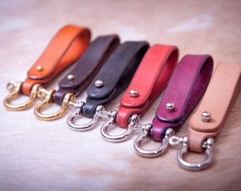 Personalized Leather belt keyfob, customized keychain, monogram leather keyfob, key holder, leather keychain, key organizer
