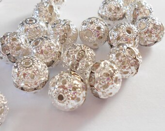Silver Pearl and clear rhinestones 10 x 9 mm. (9374000)
