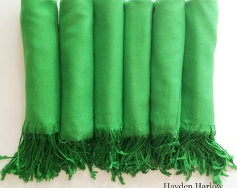 Pashmina shawl in Kelly Green - Bridesmaid Gift, Wedding Favor - Monogrammable - sorority