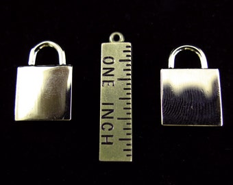 LAST Set - Gold Plated Faux Lock Engraving Charms (2x) (K600-C)