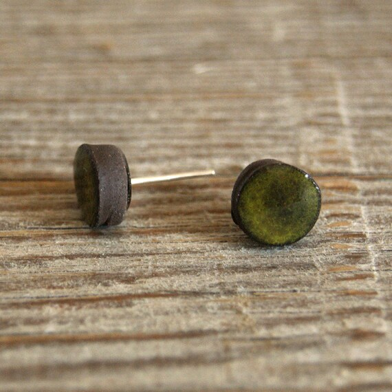 MINI glossy khaki round stoneware stud earrings
