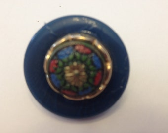 Colorful button brooch