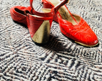 60s italian made BRIGHT red  and GOLD wedges size 6.5