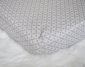 Gray Geometric with Peek-a-boo Floral Accents - Fitted Crib/Toddler Sheet