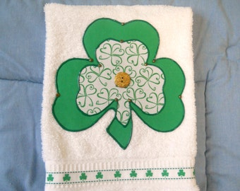 St Patrick's Day Appliqued Hand Towel, St. Patrick's Day Simply Shamrocks Bathroom Towel, St. Patrick's Day Simply Shamrocks Kitchen Towel
