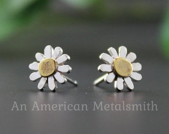 Daisy Earrings, Silver Flower Earrings, College Student Gift, Minimalist Earrings, Flower Girl Proposal, Stud Earrings, Nature Jewelry