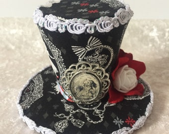 Alice in Wonderland Inspired Mini Top Hat Fascinator