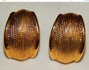 ON SALE: Vintage Napier Gold Screwback Earrings