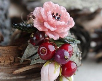 Lampwork pendant with rose and berries , Berries necklace, Glass currant, red berries, floral buds, Lampwork flower beads, Lampwork jewerly