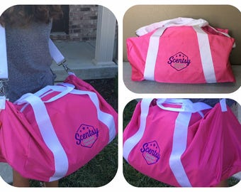 Authorized Scentsy Vendor Large Duffle Overnighter Gym Bag Carry All Tote  Scentsy Consultant Gear
