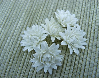 White Flowers, Polymer Clay Flower Beads, White Flowers, Dahlia, 5 pieces