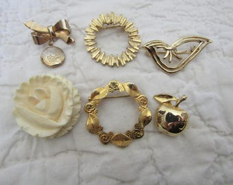 6 Vintage Brooches lot