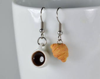 Earrings, black and small coffee cups in polymer clay, gourmet gem, sweet jewelry, miniature food, cute jewelry
