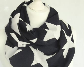 Stars print infinity scarf, Navy and white star print scarf, Circle scarf, Print scarf, Lightweight scarf, Fashion scarf