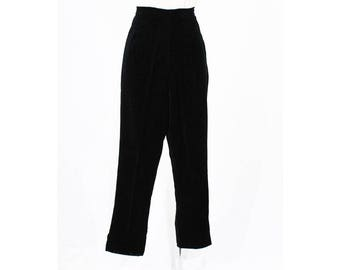 Size 10 1950s Pants - Black Cotton Velveteen Capri Pant - Cropped Length - Fitted Waist - Notched Hem - 50s Hollywood - Waist 29 - 49115