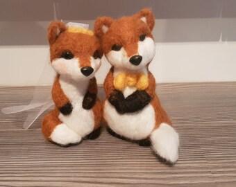 Needle felt wedding foxes