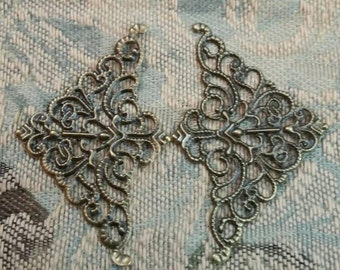 """Filigree Corner metal pieces 4 in a set, bronze color , 2"""" x 1.25,  For use in  mixed media, shabby chic, journal, paper craft, bojo etc..."""