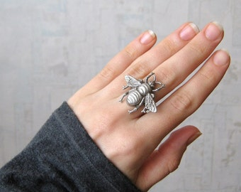 Bee ring, Bumble bee ring, Bumblebee ring, honey bee ring, antique silver, antique brass, black ring, mother bee, READY TO SHIP