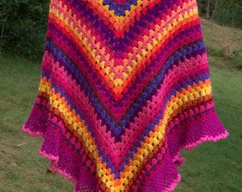Poncho, shoulder warmer in grochet multicolor granny, purple and fuchsia tones