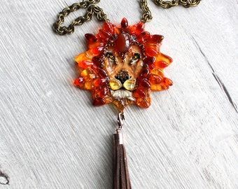 Amber lion-necklaces handmade from stones and beads