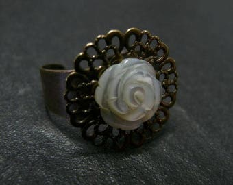 The white rose Bronze Ring