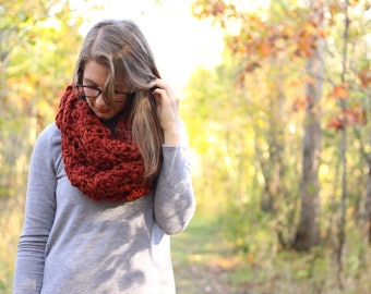 Ready To Ship // Chunky Crochet Scarf // Chunky Infinity Scarf // Cozy Knit Scarf // Winter Scarf // Shell Stitch Scarf
