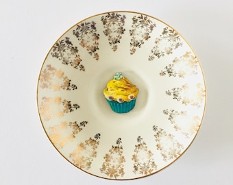 Yellow Green Cupcake on Cream Display Plate 3D Sculpture with Gold Design for Wall Decor Birthday Wedding Anniversary Friend Gift