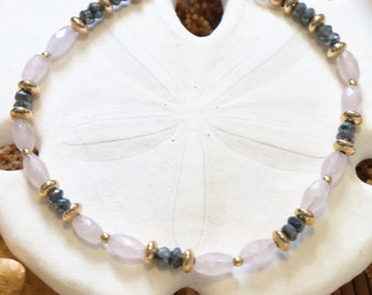 Labradorite, Rose Quartz and gold beaded bracelet