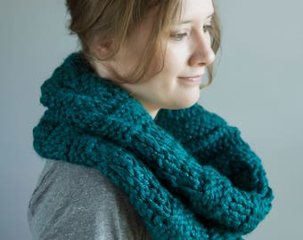 Teal IN STOCK! Large Thick Knit Cowl