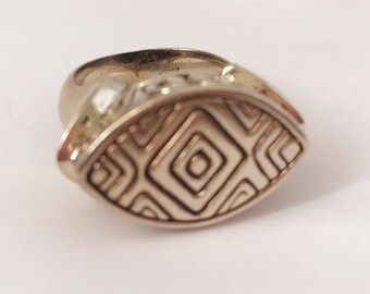 Vintage Sterling Silver Ring with Unique Geometric Design Free Shipping Size 5