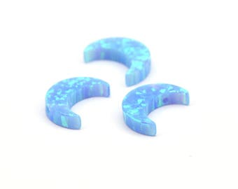 Synthetic Opal Crescent Moon, Moon Charm, 1 PC Crescent Moon Beads, Charms, (11x8mm) F009