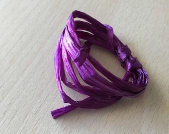 Iridescent purple raffia 4057