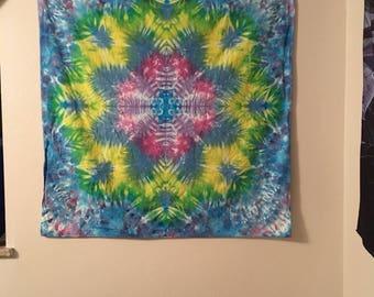 Daisy mandala tapestry