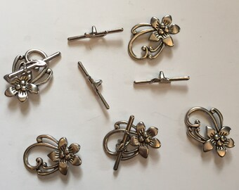Package of 5 Large Antique Silver Toggle Clasps. Base metal finding. Decorative clasp for necklaces and bracelets. 1.5 inches long clasped.