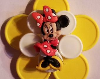 Disney Minnie Mouse Smiling yellow vial cap badge holder with retractable reel