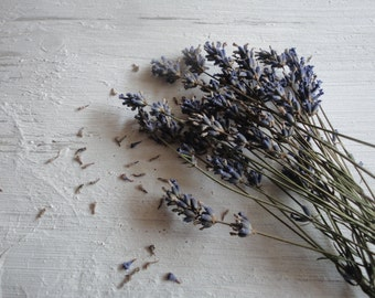 lavender flowers, dried (20 g / 0.7 oz or 50 g / 1.76 oz)