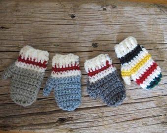Christmas mitten ornament / Handmade mini mitt gift topper / Rustic Holiday tree ornament / mini mittens / crocheted mini mittens