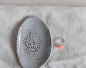 Owl ring dish Decorative ring dish Ceramic ring holder Wedding gift idea Ring plate Jewelry dish Jewelry holder Gift for her Modern gift