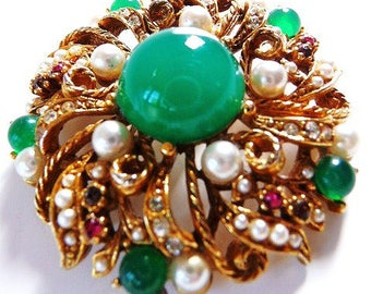 vintage signed ART brooch pin | gold tone | faux jade faux pearls |  Art~Mode | ModeArt | 1950s 1960s designer vintage brooch