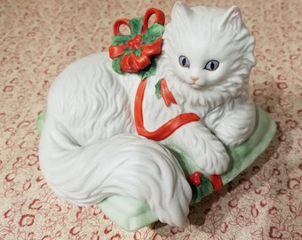 """Christmas Kitten Music Box by Enesco Playing """"My Favorite Thing"""" 1988 presented by Donellensvintage"""