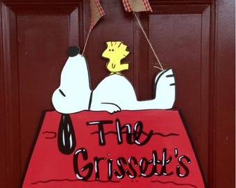 Snoopy Door Hanger, Charlie Brown Door Hanger, Christmas Wreath, Christmas Door Hanger