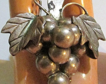 STERLING silver GRAPES BROOCH jewelry pin, mexico Sterling, Mexico Silver, mexico signed, estate Jewelry