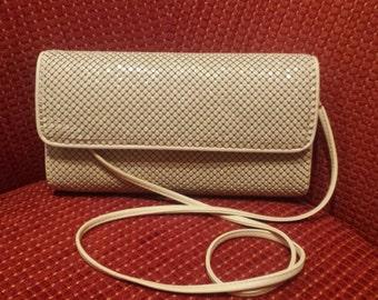 Cream mesh chainmail clutch/purse/evening bag- Whiting and Davis handbag-wedding/bridal/prom - 80's