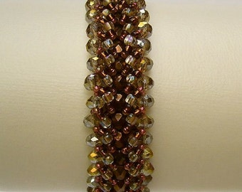 Bracelet with sparkling beads in shades of bronze and smoke grey