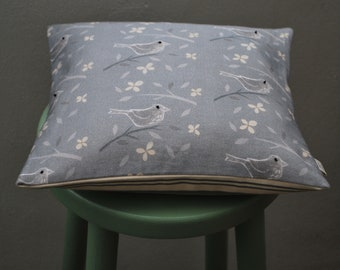 Blackbird cushion cover with natural duck feather pad