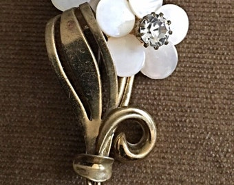 Vintage mother of pearl and rhinestone flower pin brooch 1950s mop