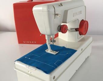 Sewing machine Singer model 67B