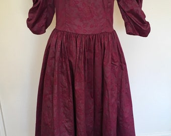 Vintage Laura Ashley Dark Pink Floral Lace High Neck Edwardian Victoriana Maxi Midi Dress. Size 16