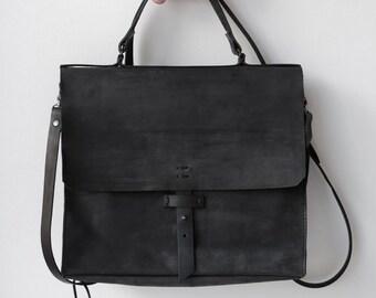 Leather briefcase 018Y-black